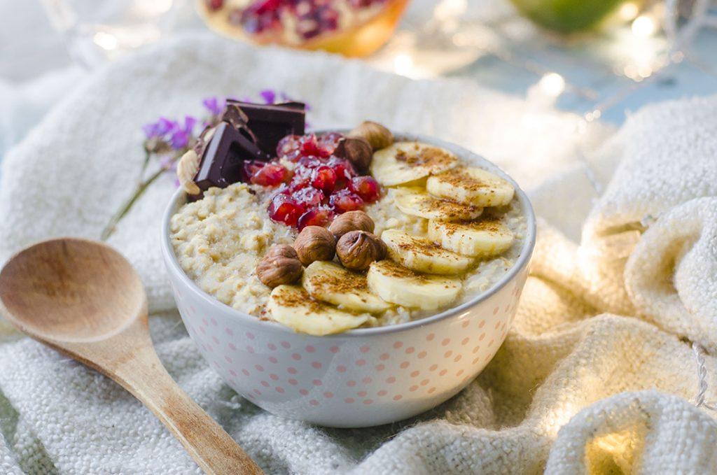 Imagen de Porridge de Avena con Granada, Avellanas y Plátano