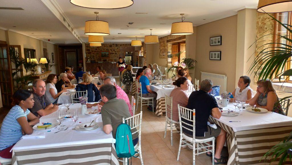 Comida en el Palacio de Rubianes durante el curso en inglés The Getaway